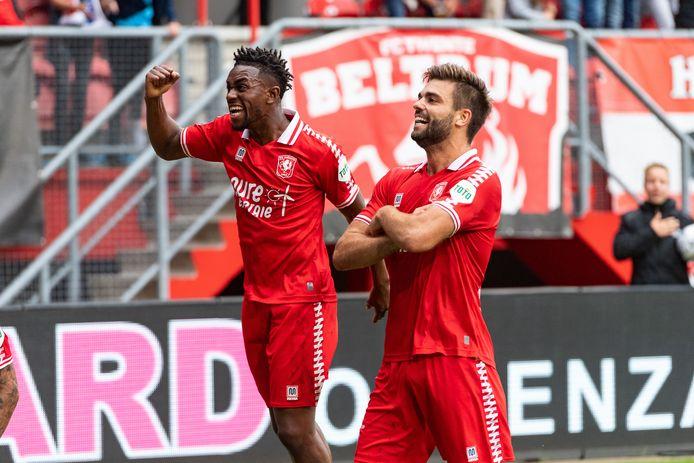 Robin Pröpper viert samen met Virgil Misidjan de winnende treffer.   during the match Twente - Utrecht