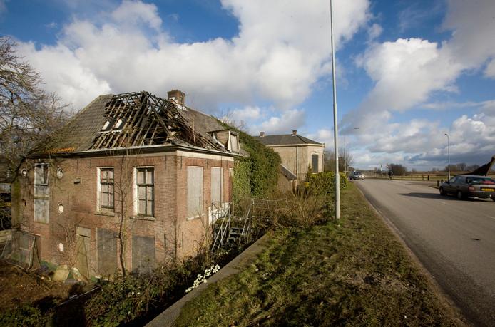 Het verpauperde rijksmonument aan de Grebbedijk in Wageningen.
