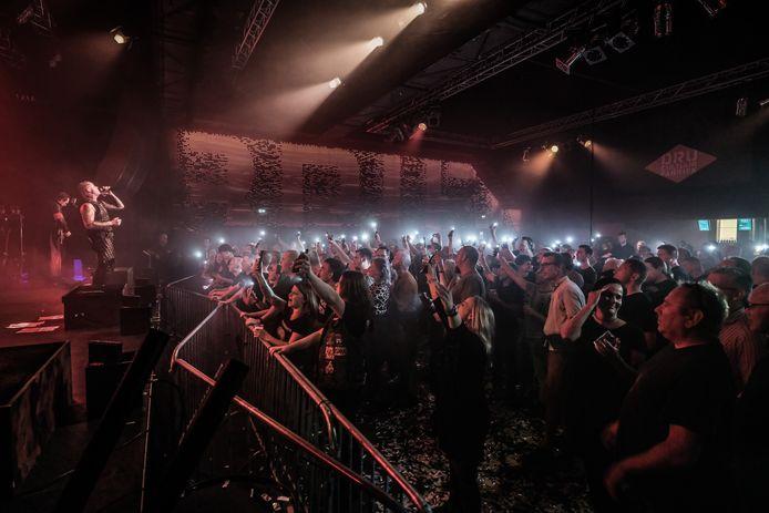 Meer dan 400 bezoekers genoten zaterdagavond van het liveoptreden van Vannstein op het DRU Industriepark.