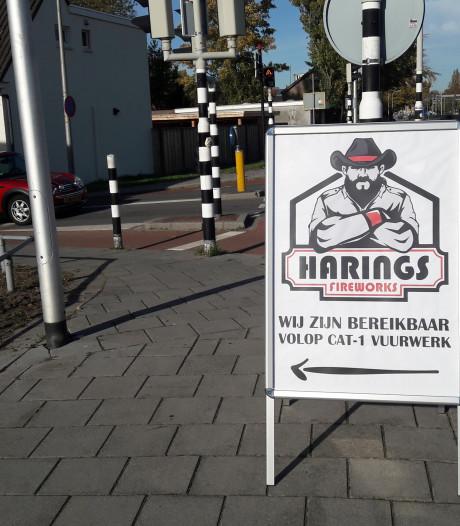 Eerste in Twente? Bedrijf in Almelo adverteert op straat voor vuurwerk