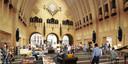 Een impressie van de centrale ontmoetingshal van de nieuwe bibliotheek op de Neude.