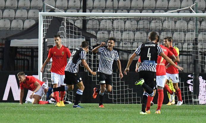 Vertonghen (links op de knieën) na het openingsdoelpunt voor PAOK.