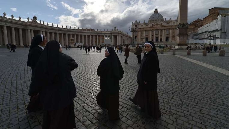 Het Sint-Pietersplein in Vaticaanstad/ Beeld afp