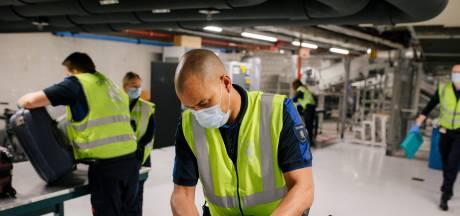 Zeven miljoen euro extra voor Schiphol en haven om criminelen buiten de deur te houden