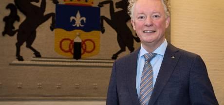 Burgemeester roept ouders op om jongeren thuis te houden en 'Drontense nuchterheid' vast te houden