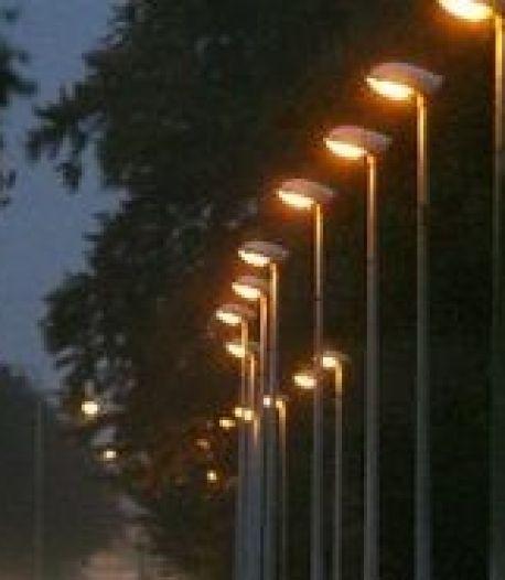 Meer lantaarnpalen Deurne 's nachts gedoofd