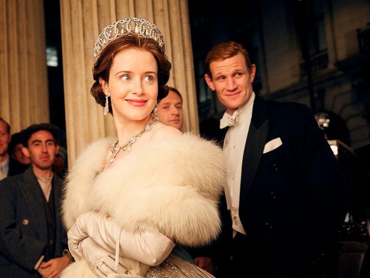 Claire Foy en Matt Smith als respectievelijk Elizabeth en Philip. Beeld Netflix