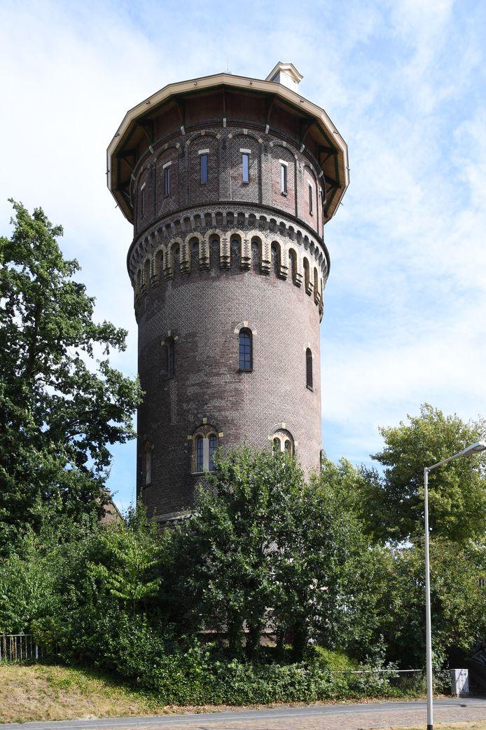 De watertoren staat leeg sinds het overlijden van de vorige eigenaar, Marius Dielemans
