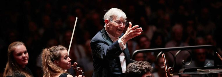 De Wiener Philharmoniker met de 94-jarige Zweeds-Amerikaanse maestro Herbert Blomstedt. Beeld Concertgebouw