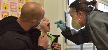 Speciale teststraat voor kinderen in Eindhoven: 'We willen niet dat een kind hier trauma's oploopt'