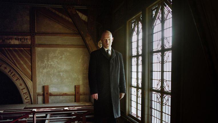 Richard Degenkamp op de oude zolder van de kapel Beeld Loek Buter