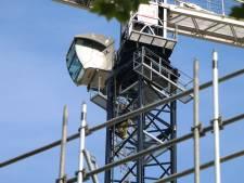 Kraanmachinist overleden op bouwterrein, 'lift stortte naar beneden'