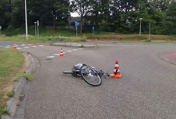 De politie stelde onderzoek in nadat een fietser in Zwolle werd aangereden en de 77-jarige dader doorreed.