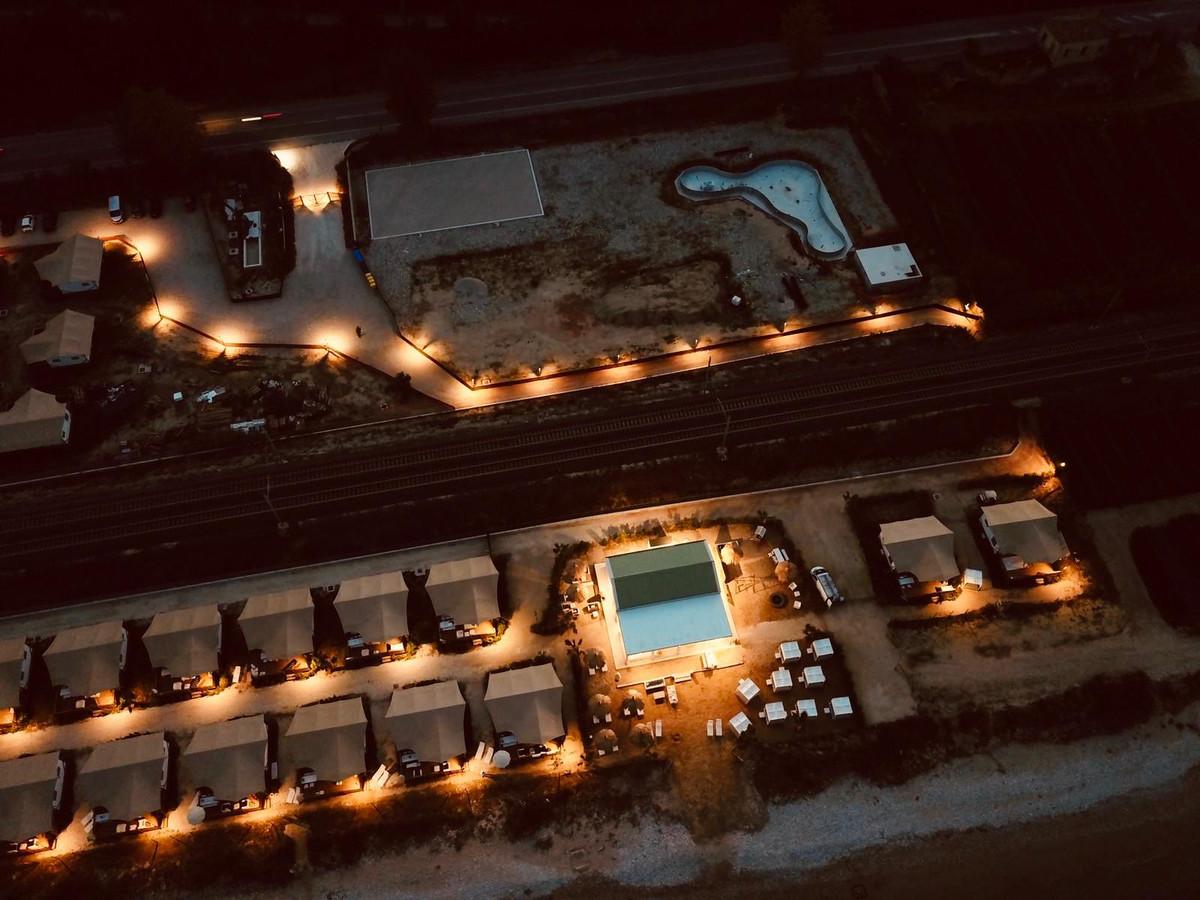 Villa Alwin Beach Resort: het streven is dat het resort op 1 april 2021 af is.