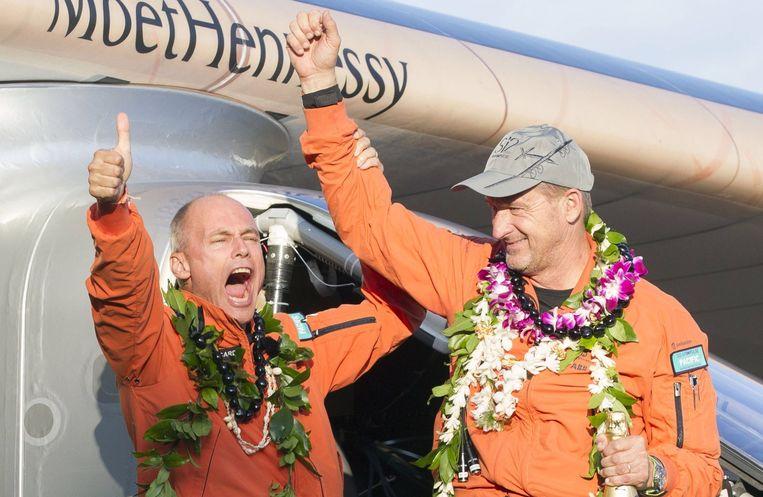 Piloten Bertrand Piccard (links) en Andre Borschberg. Beeld afp