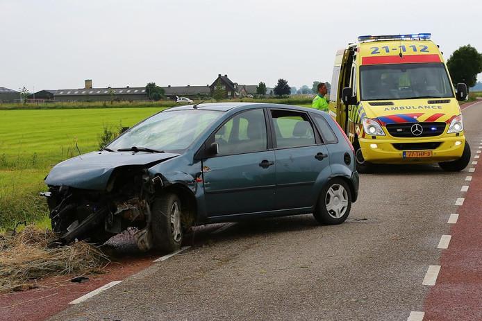 Het voertuig raakte flink beschadigd.