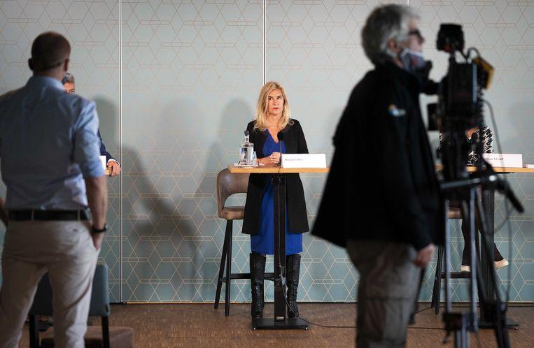 Onderzoeker Marjan Olfers bij de presentatie van het rapport 'Ongelijke leggers'. Beeld ANP