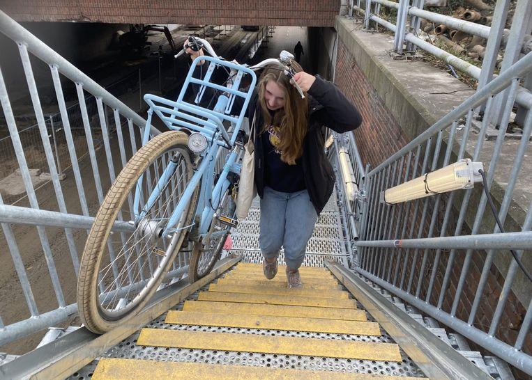 De trap is geen lachtertje en enkel geschikt voor wie goed te been is en een goeie conditie heeft.