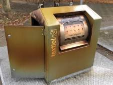 Opnieuw kledingcontainer in Gennep in brand gestoken