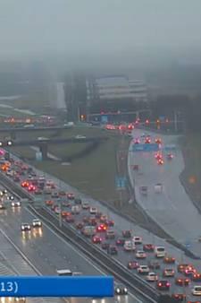 Files en vertraging: verkeer in Haagse regio staat vast