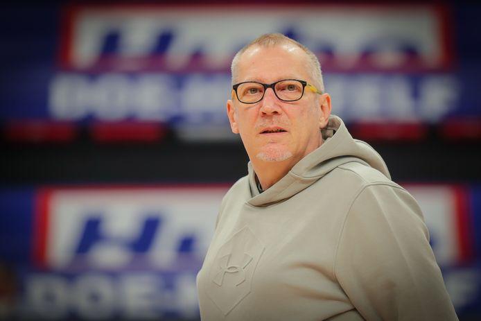Patrick Delsaux is een belangrijke schakel voor de staf van Limburg United.