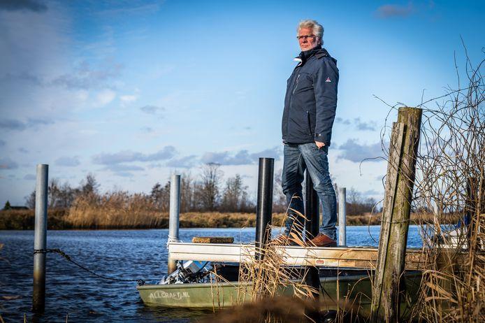 Het Alblasserdamse water is nog niet bevroren, maar Hillebrand Beärda is er klaar voor: als de lockdown voorbij is, hoopt hij dat een Molentocht er dit jaar weer eens in moet zitten.