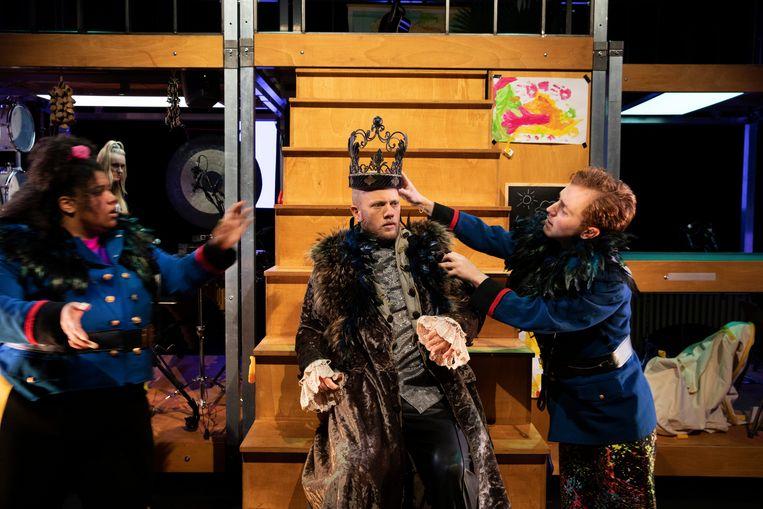 Koning Bowi van Theater Sonnevanck. Beeld Sanne Peper