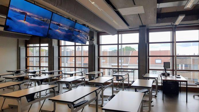 De businessopleidingen van de Thomas More-hogeschool in Mechelen hebben 120.000 euro geïnvesteerd in twee 'high end' hybride leslokalen in Campus De Vest.