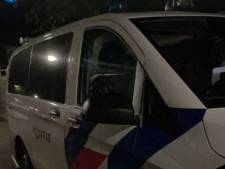 Politie in Stichtse Vecht deelt boetes uit, en brengt twee uit huis 'ontsnapte' meiden terug naar ouders