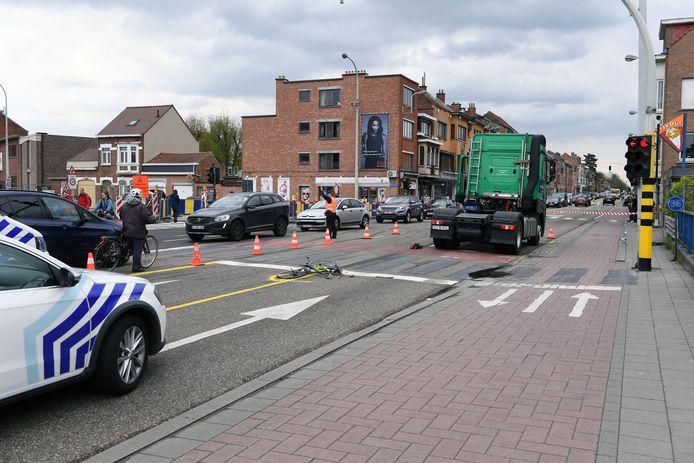 Illustratiefoto: fietser kritiek na aanrijding met vrachtwagen op de Tiensesteenweg.