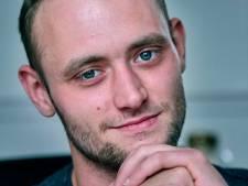 Rudy (27) lijdt al 10 jaar aan 'zelfmoordhoofdpijn', maar door nieuwe behandeling gloort er hoop