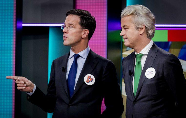 Lijsttrekkers Mark Rutte (VVD) en Geert Wilders (PVV) tijdens de politieke spelletjesavond van het NOS Jeugdjournaal. Beeld ANP
