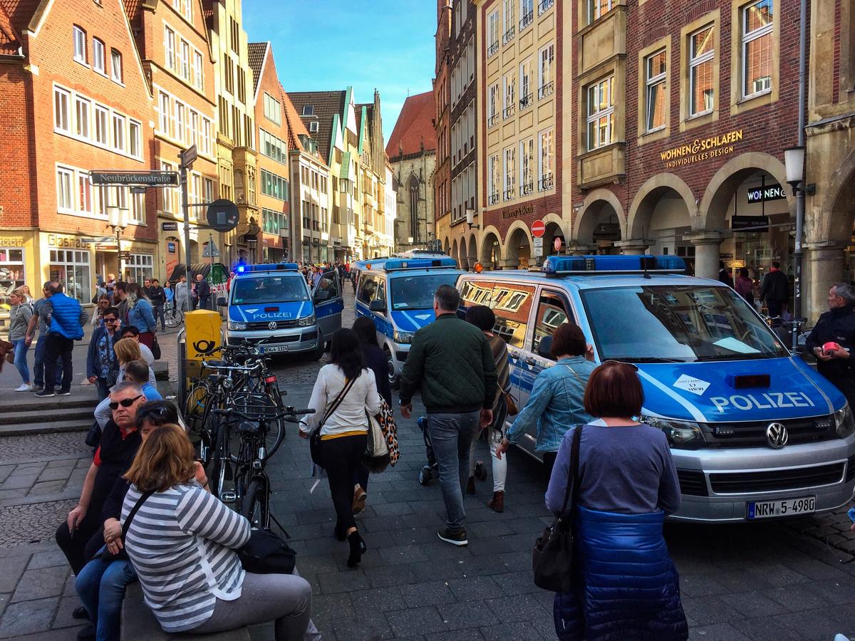 Politie rukt uit in Münster.
