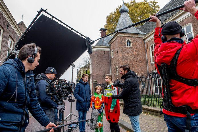 Speelfilmopnamen vorig jaar voor De Vloek van Lughus in de Ambtmanstaat met het Ambtmanhuis op de achtergrond.
