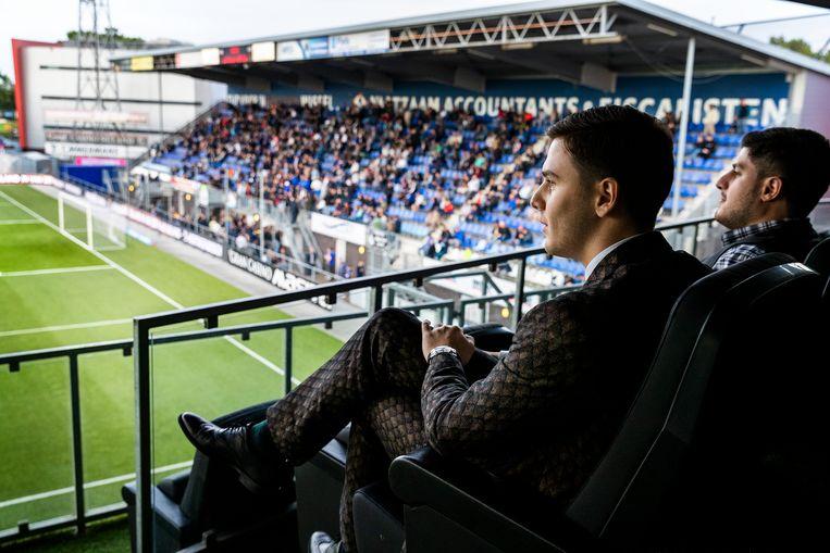 Kakhi Jordania op de eretribune bij FC Den Bosch. Beeld Jiri Büller