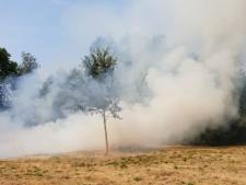 Flinke rookontwikkeling bij natuurbrand in Glanerbrug