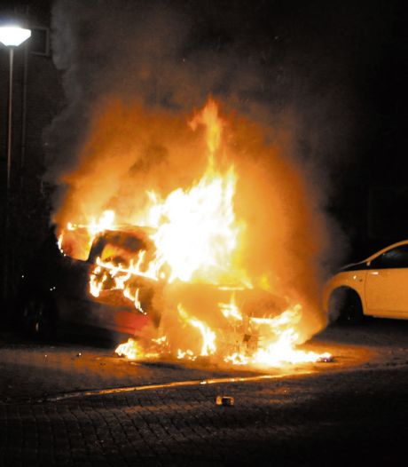 'Nog niet klaar' met onderzoek naar negentien autobranden in Waddinxveen