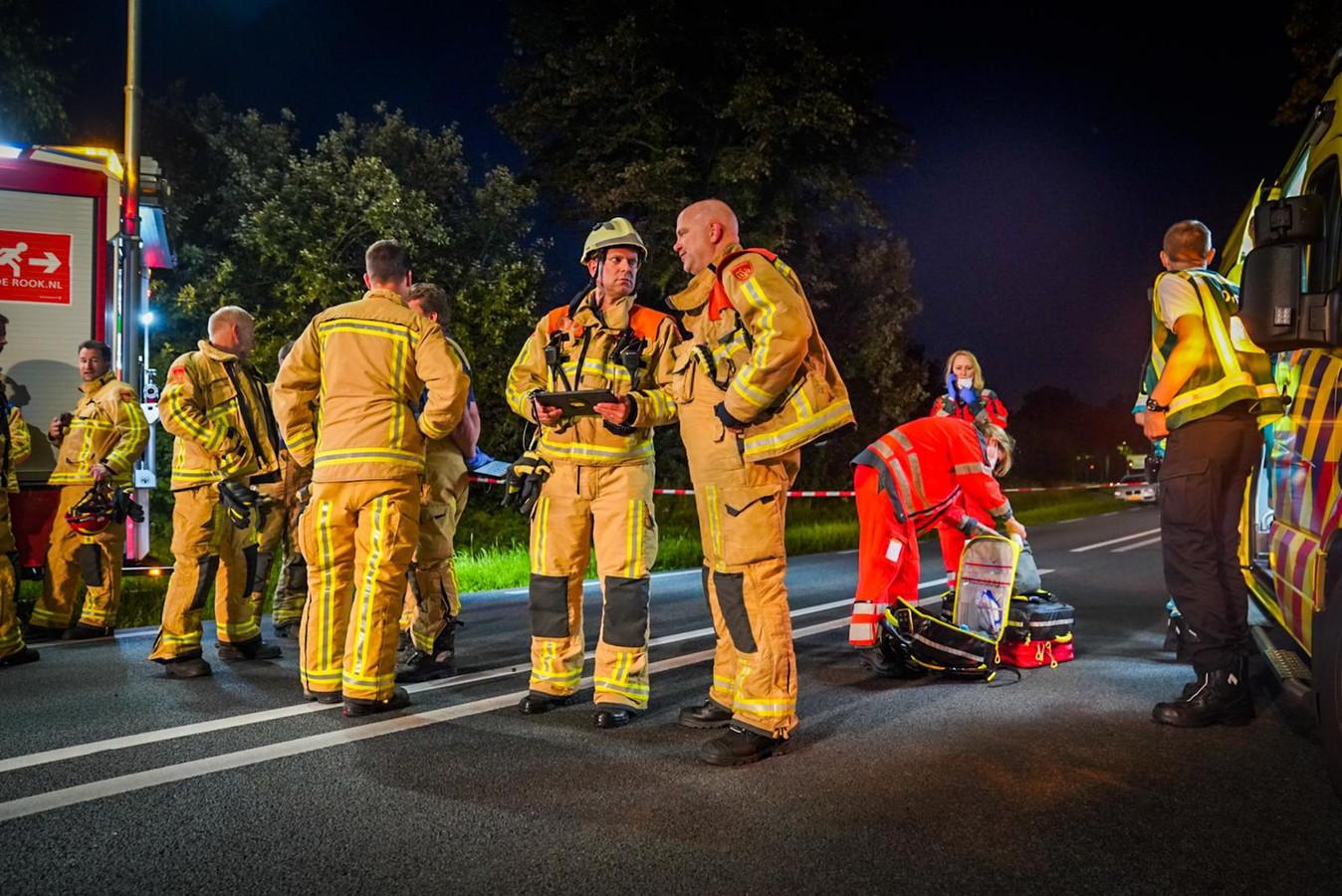 Brandweerlieden ter plaatse.