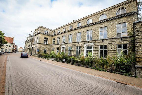 De gemeente verkocht het oude klooster in de Pannestraat aan een ondernemer die er een hotel zal inrichten.