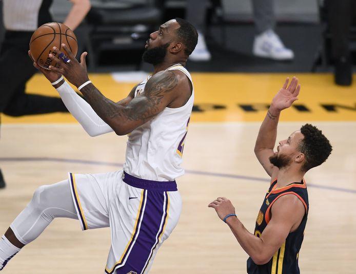 LeBron James et les Lakers ont fait la loi contre les Warriors.