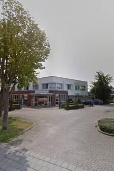 Mogelijk 75 tot 95 arbeidsmigranten in kantoorpand in Duiven
