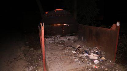 Brandweer rukt uit voor afvalbrand in puincontainer