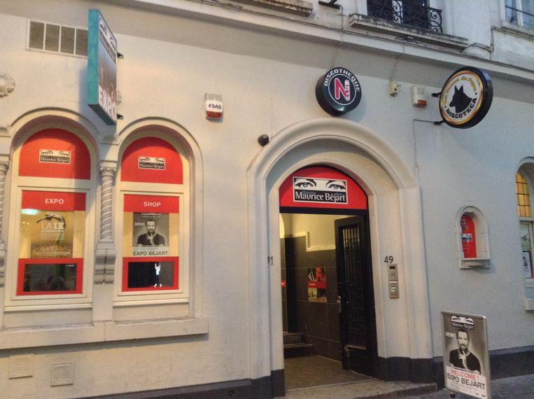 Het gebouw ligt op wandelafstand van zijn favoriete café, A La Mort Subite, zijn lievelingshotel Métropole en De Munt. Beeld RV