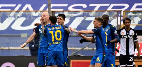 Nuytinck redt punt voor Nederlands getint Udinese, Zirkzee kijkt hele wedstrijd toe