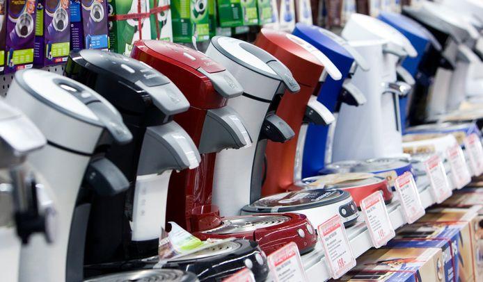 Zoetermeer;Nederland;ZOETERMEER  Het overbekende koffiezetapparaat van Philips en Douwe Egberts, de Senseo. Foto: het nieuwste model Senseo is vierkant. ANP XTRA LEX VAN LIESHOUT