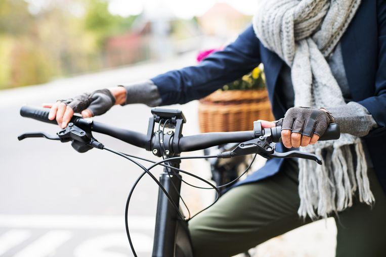Airbagsjaal voor op de elektrische fiets Beeld Getty Images
