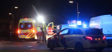 Brommerrijder gewond naar ziekenhuis bij botsing in Rijssen