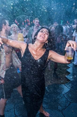 """Frankrijk beperkt festivals tot 5.000 zittende bezoekers, Vlaamse organisatoren houden hun hart vast: """"Dit is een streep door de rekening"""""""