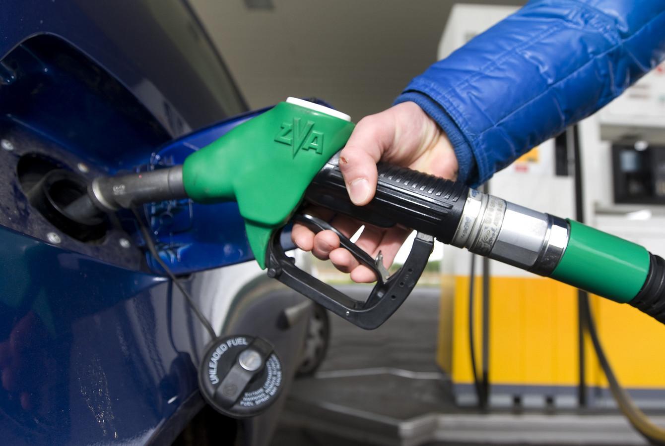 De stijgende olieprijs remt het economisch herstel.
