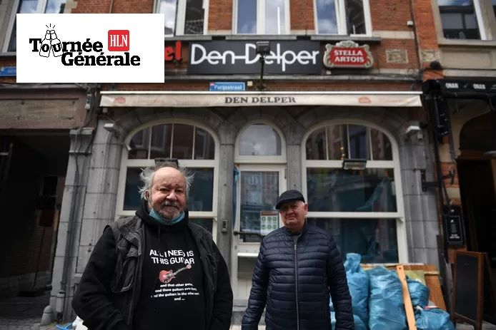 Bekende Leuvenaar Big Bill en zijn bassist Jean Vandooren kwamen vandaag de voorbereidingen aan Den Delper inspecteren en zagen dat het in orde zal komen.
